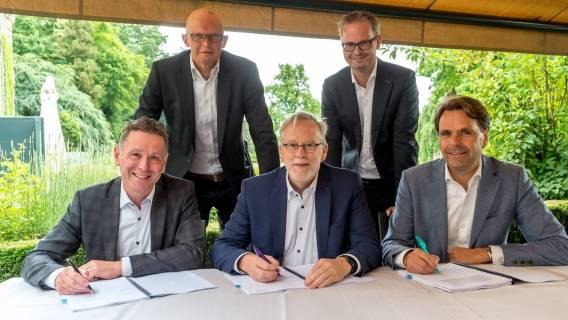 Ondertekening van de realisation en lease agreement door Brightlands Chemelot Campus en Sitech Services